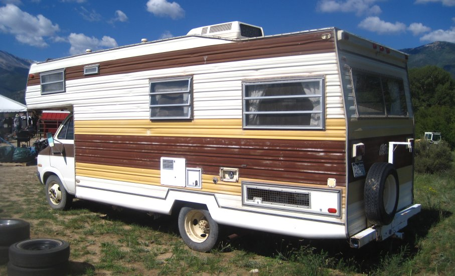 Old Dodge Motorhomes http://www.classicoldcars.net/1976-dodge-motor-home/photos.htm